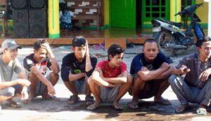 Kebiasaan Orang Indonesia Yang Dianggap Aneh Oleh Orang Luar